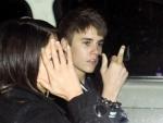 Daily Shuffle: Justin Bieber Apologizes