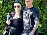 Pink's Baby Bump… How Cute!