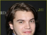 Emile Hirsch Joins Oliver Stone's 'Savages'