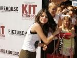 Selena Gomez Reveals Her Favorite Justin Bieber Song!