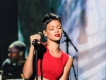 RIHANNA De L'Annee 2012 TV Show in Paris