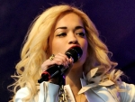 Holiday Eye Makeup Makes Look Hot, Courteousness of Singer Rita Ora