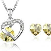 Heart Necklace and Earring Set With SWAROVSKI ELEMENTS for £19 (75% Off)