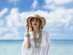 Kate Upton Worked in Accessorize Campaign, Looks amazingly Pretty