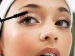 Women Fashion How to enhance the look of eye lashes