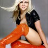 Britney Spears Feels Pressure To Looks Hot & Sexy