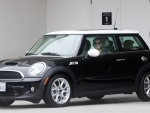 Katie Holmes MINI Cooper S Super Car Photos