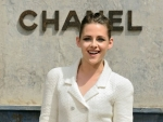 Kristen Stewart On The Adorable Red Carpet Style Moment