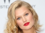 Toni Garrn Gets Effortless Curls at Home
