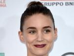 Gets Wonderful Purple Lips as Rooney Mara Has