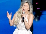 Lady Gaga Performs 'Sound Of Music' Songs as Tribute at Oscars 2015