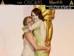 Jennifer Aniston grabs Emma Stone's Butt On 2015 Oscars Red Carpet