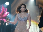 Wardrobe Malfunction: Jennifer Lopez's Zipper Busts Open