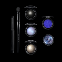 Get Ultimate Galaxy Eyes by Pat McGrath Newest Kit