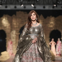 Honey Waqar Gul Mohar Collection at PHBCW 2019