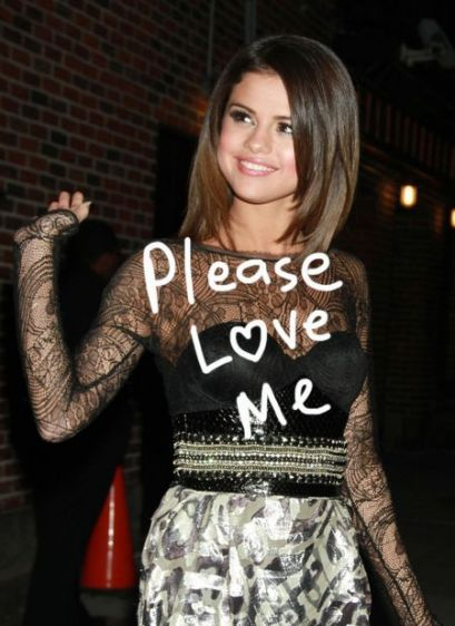 selena gomez got punched in the face. Selena Gomez hot style