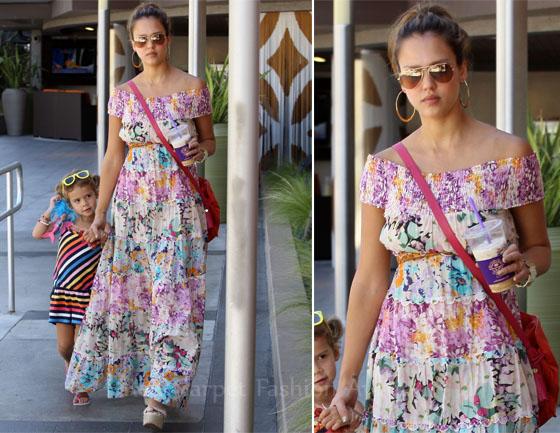 Sidewalk Style Jessica Alba In Zimmermann Fashion Style