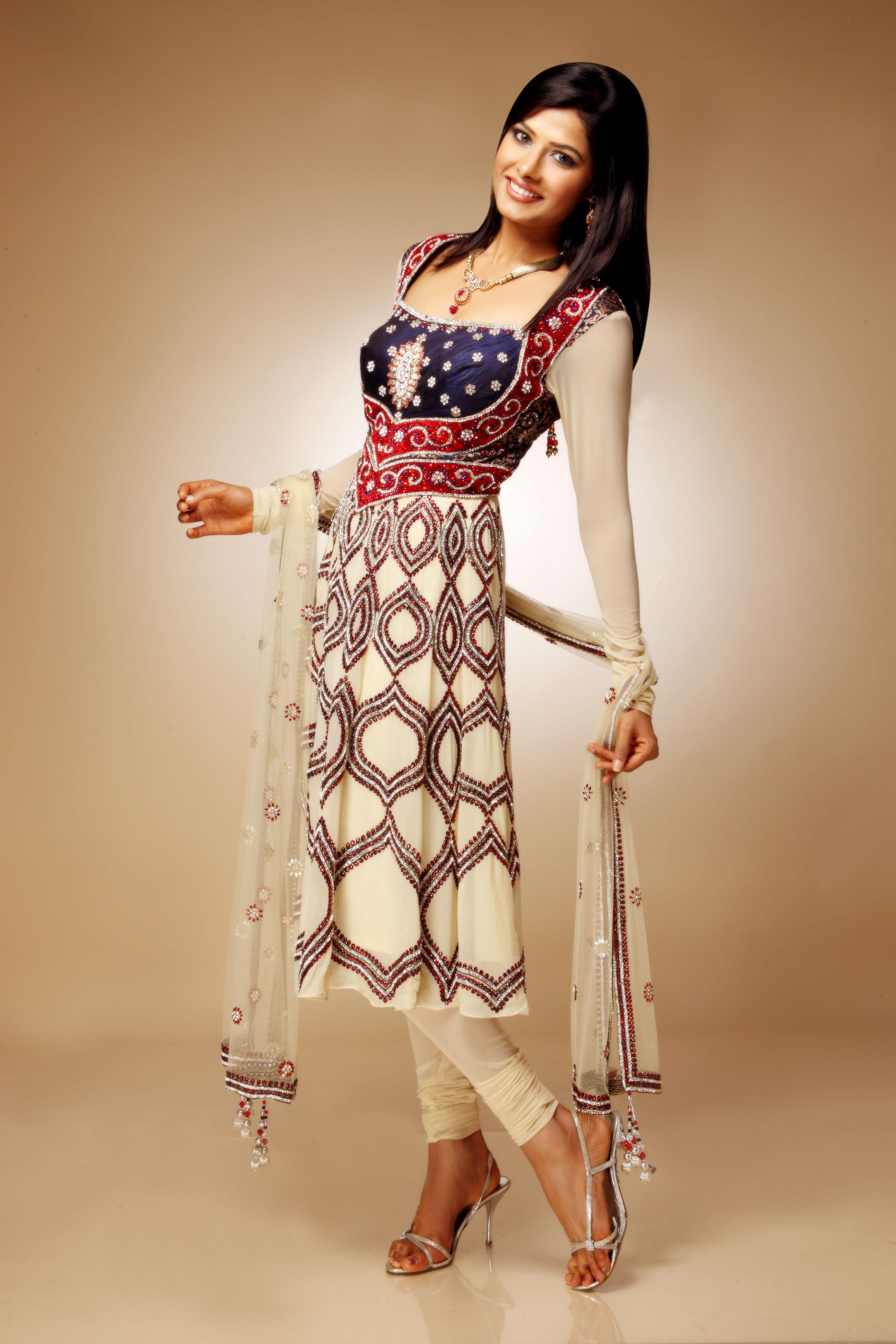 Shalwar Kameez USA 2012 0 CommentsDesigner Salwar Kameez 2012