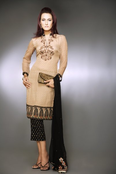 New Pakistani Salwar Kameez Designs