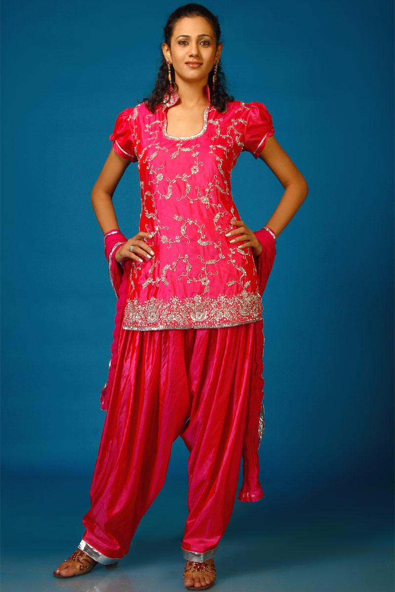 Indian Bridal Salwar Kameez Elegance with Ease