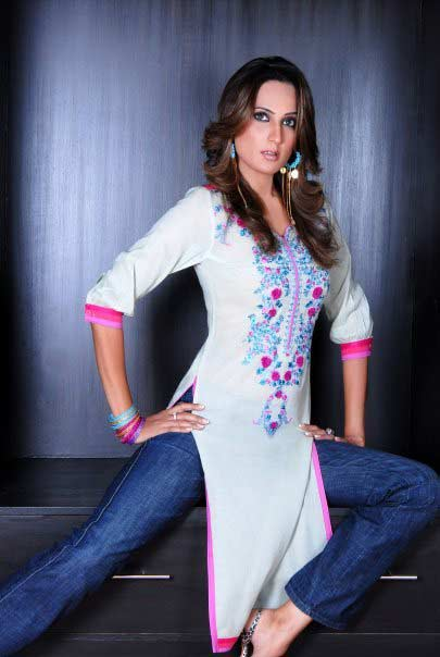 stylish white women kurta