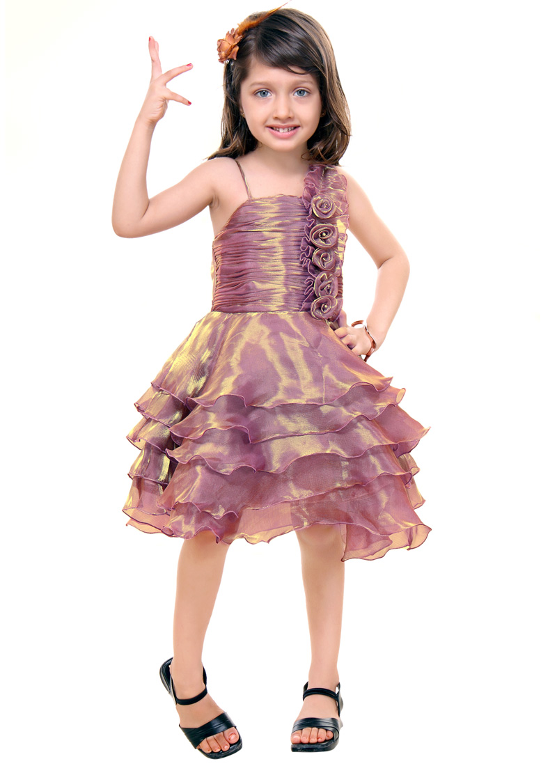 Dresses for Girls: Cute Kids' Dresses, Party Dresses & More It just got even more fun and festive to dress up thanks to Belk's fabulous selection of cute dresses for girls. The collection includes kids' dresses for any age and size, with different styles for formal .