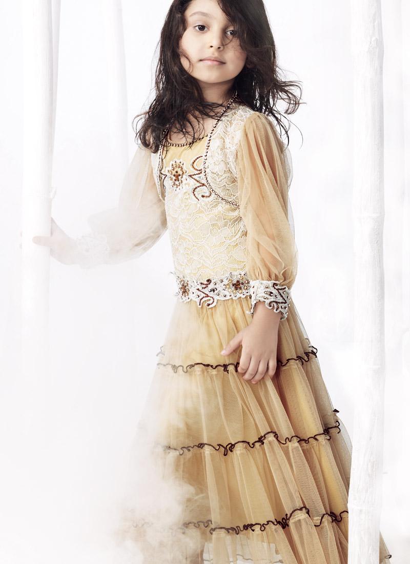 http://www.fashionstylestrend.com/wp-content/uploads/2012/07/kids-dresses1.jpg
