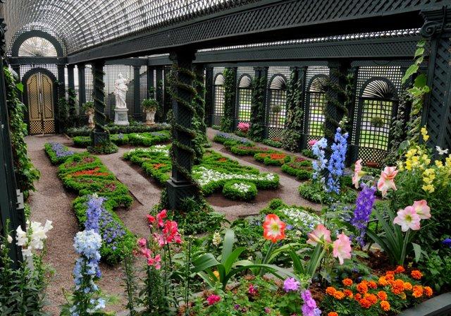 decorate garden Designs