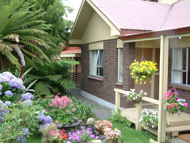 Home Gardening Design Ideas: Best Garden Decor Designs With Lovely Styles