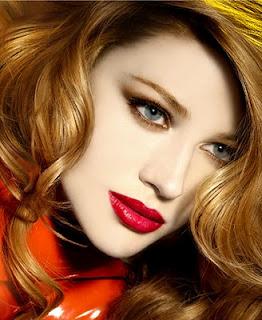 lip liner makeup