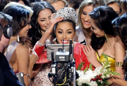 Miss USA Olivia Culpo Smile for television camera