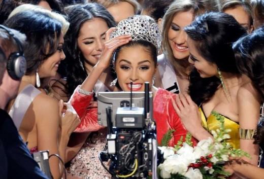 Miss USA Olivia Culpo Smile for television camera