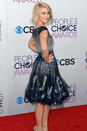 Actress Julianne Hough attends People's Choice Awards