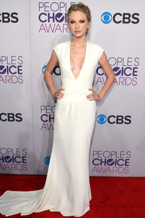 Taylor Swift attends the 2013 People's Choice Awards