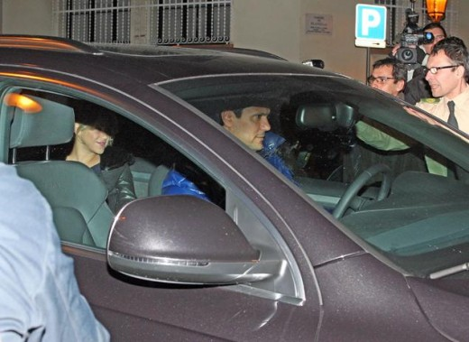Shakira arriving at the hospital to give birth to her first child.