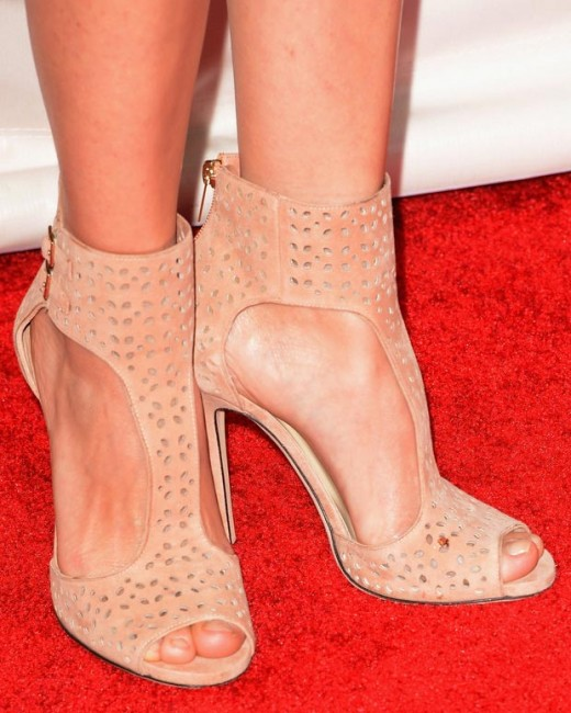 marion cotillard jimmy choo sandals critics choice awards 2013