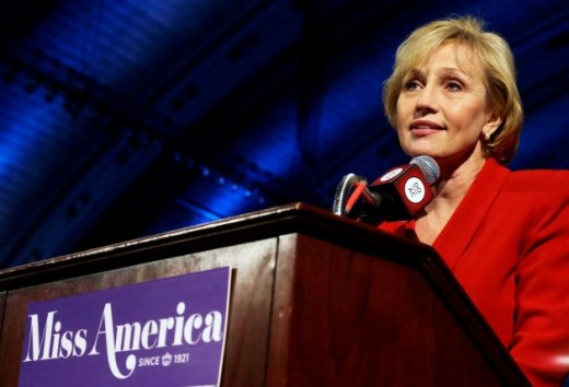Kim Guadagno announces that the Miss America pagean