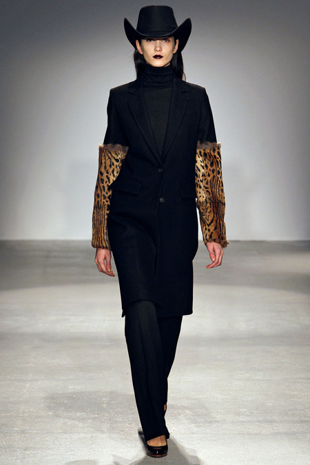 Paris Fashion Week Fall 2013 RTW Veronique Branquinho