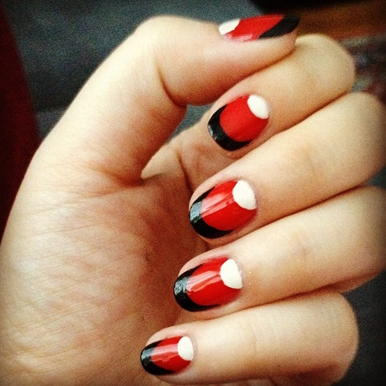 Red nails with design nail designs hair styles tattoos and fashion