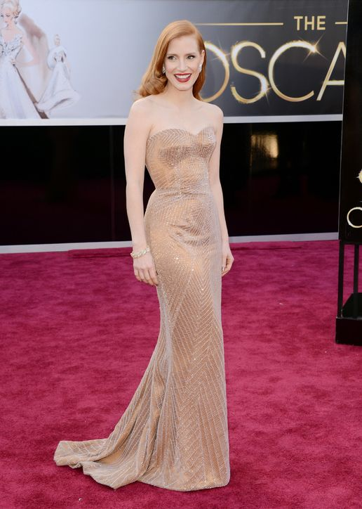 Jessica Chastain at Oscars 2013 Red Carpet