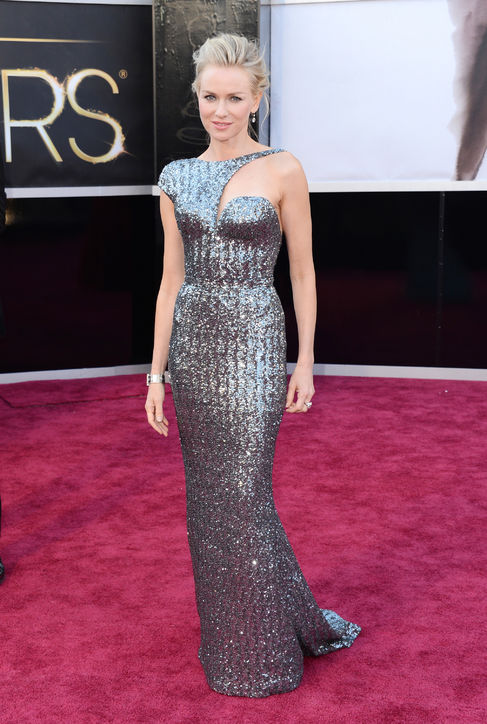 Naomi Watts at Oscars 2013 Red Carpet