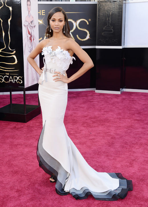 Zoe Saldana at Oscars 2013 Red Carpet