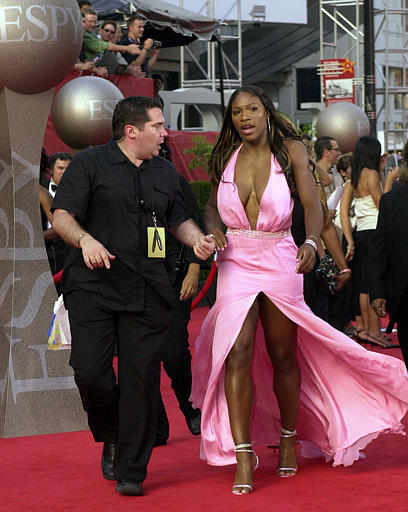 Hot Serena Williams in pink dress