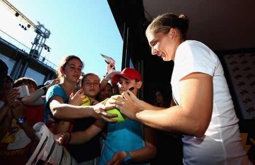 Sara Errani with Fans