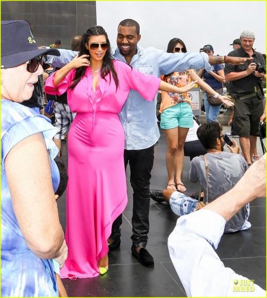 Kim Kardashian Pink Dress Photo