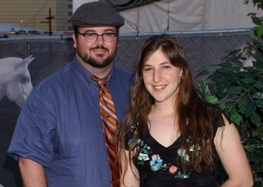 Big Bang Theory Actress finally splits from Husband; Mayim Bialik Divorce