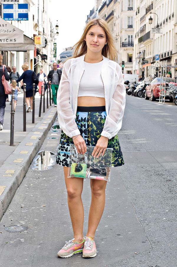Street Style Hitting Sporty-Spice Look Wallpaper