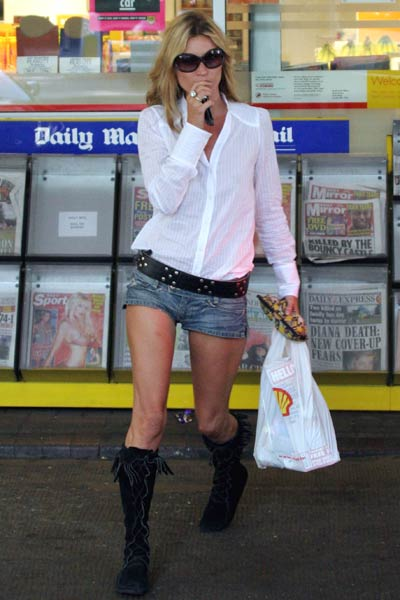 Kate Moss Hot Jeans Skirt Photo