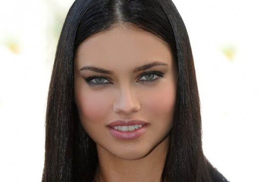 Actress Adriana Lima Hot & Beautiful Pictures