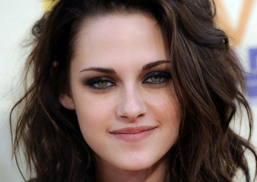 Kristen Stewart cute smile pics
